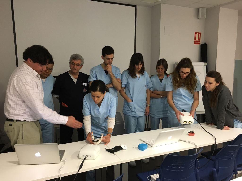 Inicio Curso Experto Implantoprótesis