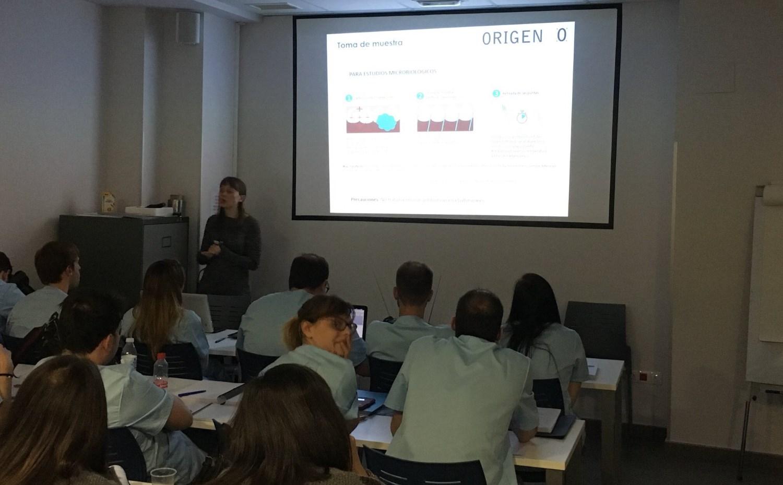 Conferencia 'Microbiología y Genética en la Enfermedad Periodontal'
